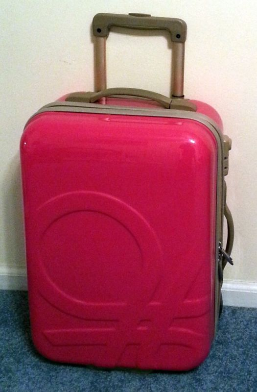 a few days away pretty cool store United Colors of Benetton suitcase!!! | Suitcase, My room, The unit