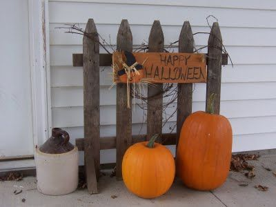 Outdoor Decor Gs Finds Fall Outdoor Decor Picket Fence Decor