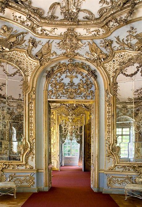 tendenze autunno inverno 2012 13 barocco e rococ interior exterior designs. Black Bedroom Furniture Sets. Home Design Ideas
