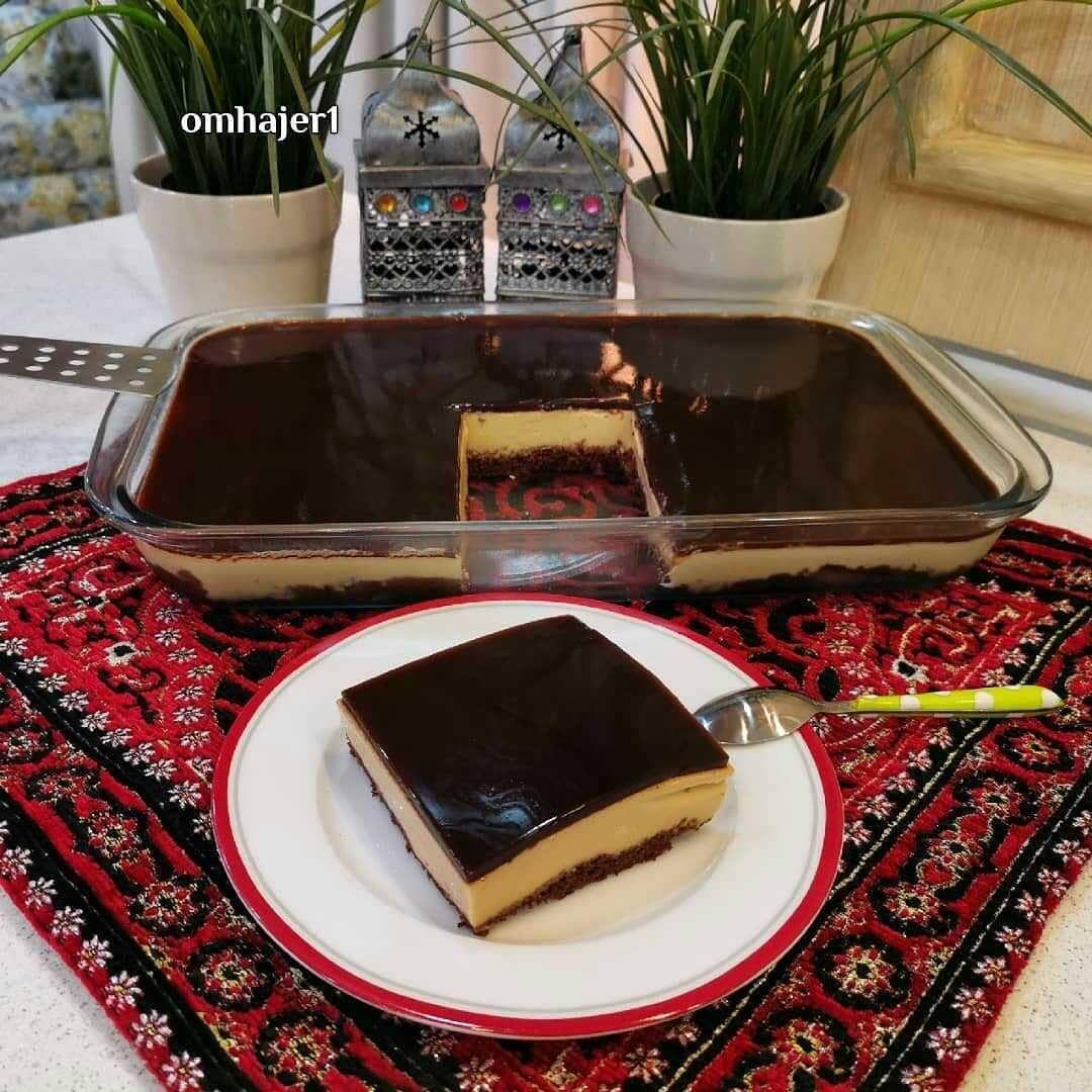 الطباخه On Instagram طبقات الكريم كارميل من حساب الجميله Omhajer1 لايك ع الوصفه احبتي الطبقه الاولى كيك ب Dessert Recipes Desserts Food