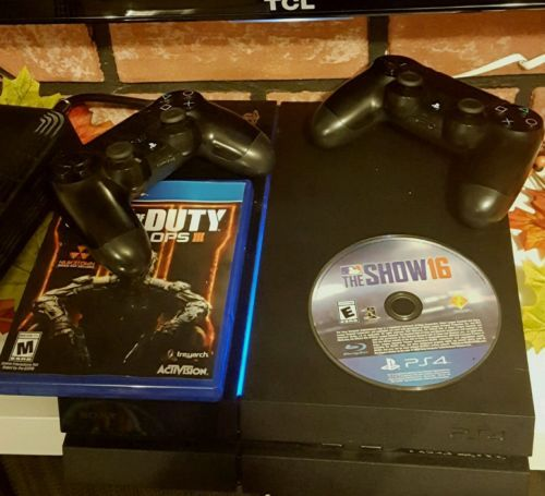 Sony PlayStation 4 500GB Console with 2 Controllers Black Ops III and MLB 16 https://t.co/Y7aJMuxB1j https://t.co/XRRDoYPN0d