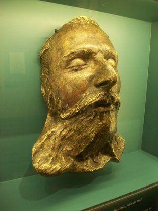 maschera mortuaria di Massimiliano d'Asburgo.