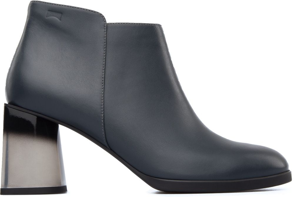 #Lea features a tapered heel that gives it a subtle, smart edge.