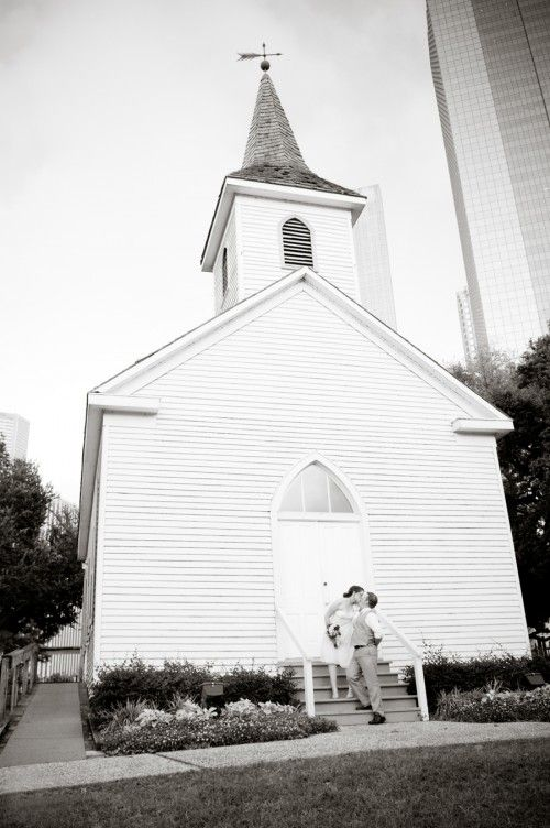 Real Weddings Shannon Damian S Historic Chapel Wedding For The