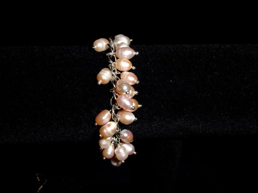 """Oval ivory pearls on chain, 8""""braceletwith 1.5 chain with pearl dangle"""