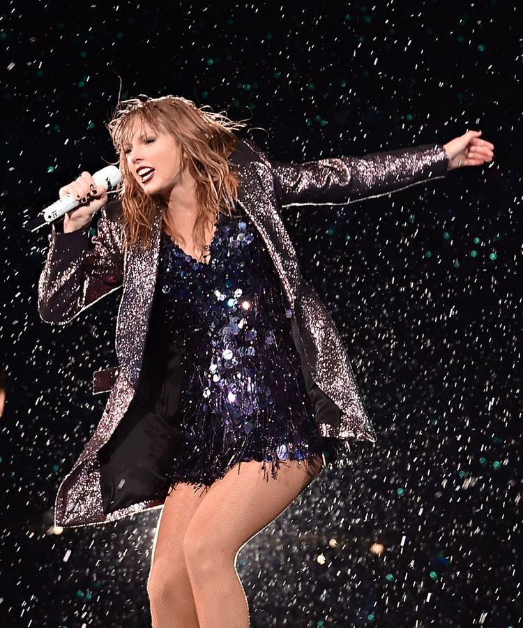 Pin by Meow Pabu on TayTay | Taylor swift concert, Taylor ...