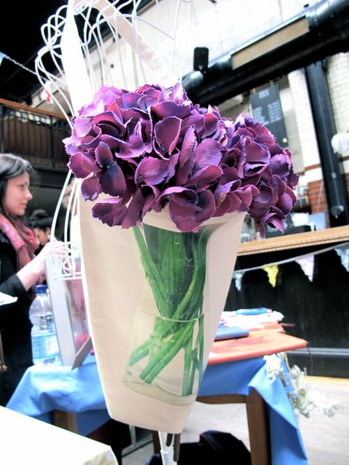 Exploring Tooting Broadway How To Wrap Flowers Flower Packaging
