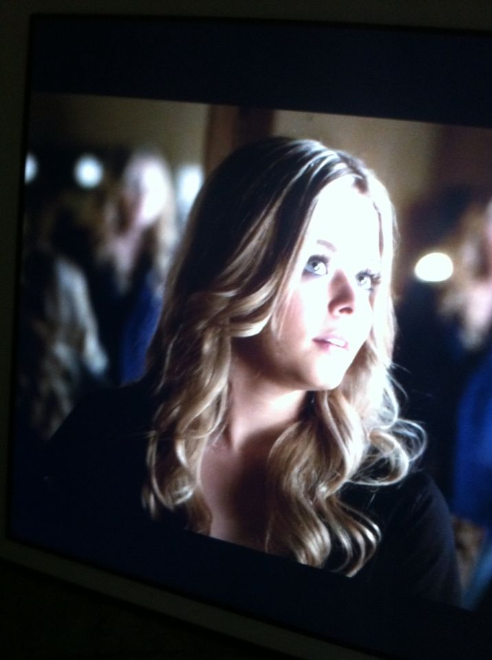 S5:E1 cece say we don't just look alike we think alike too so maybe cece and Alyson are the twin twist