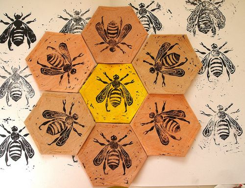 The bee quilt has begun!  Using my Inspiration! naturally dyed fabric I've started lino printing on the first of the hexagon patches.Only 117 to go!