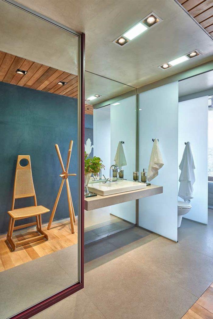 Ein Modernes Badezimmer Design Versteckt Sich Hinter Dem Bett