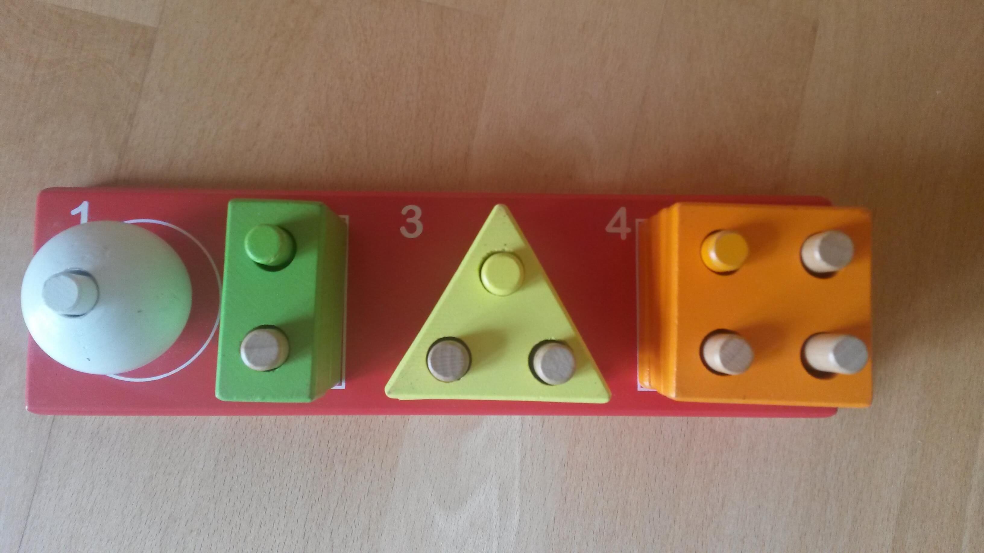 Juego estimulación de formas y números (0 a 2 años): Juego estimulación de formas y números. Causa beneficiada: Educación para niños con discapacidad en Bolivia