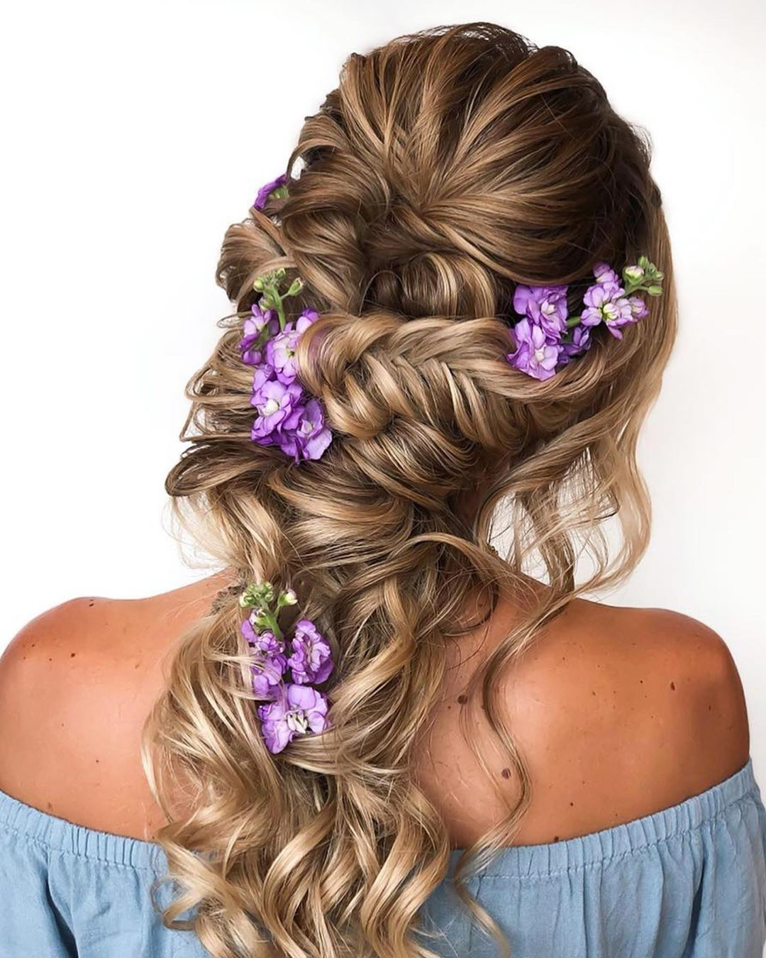 Cute Summer Hairstyle with Flowers