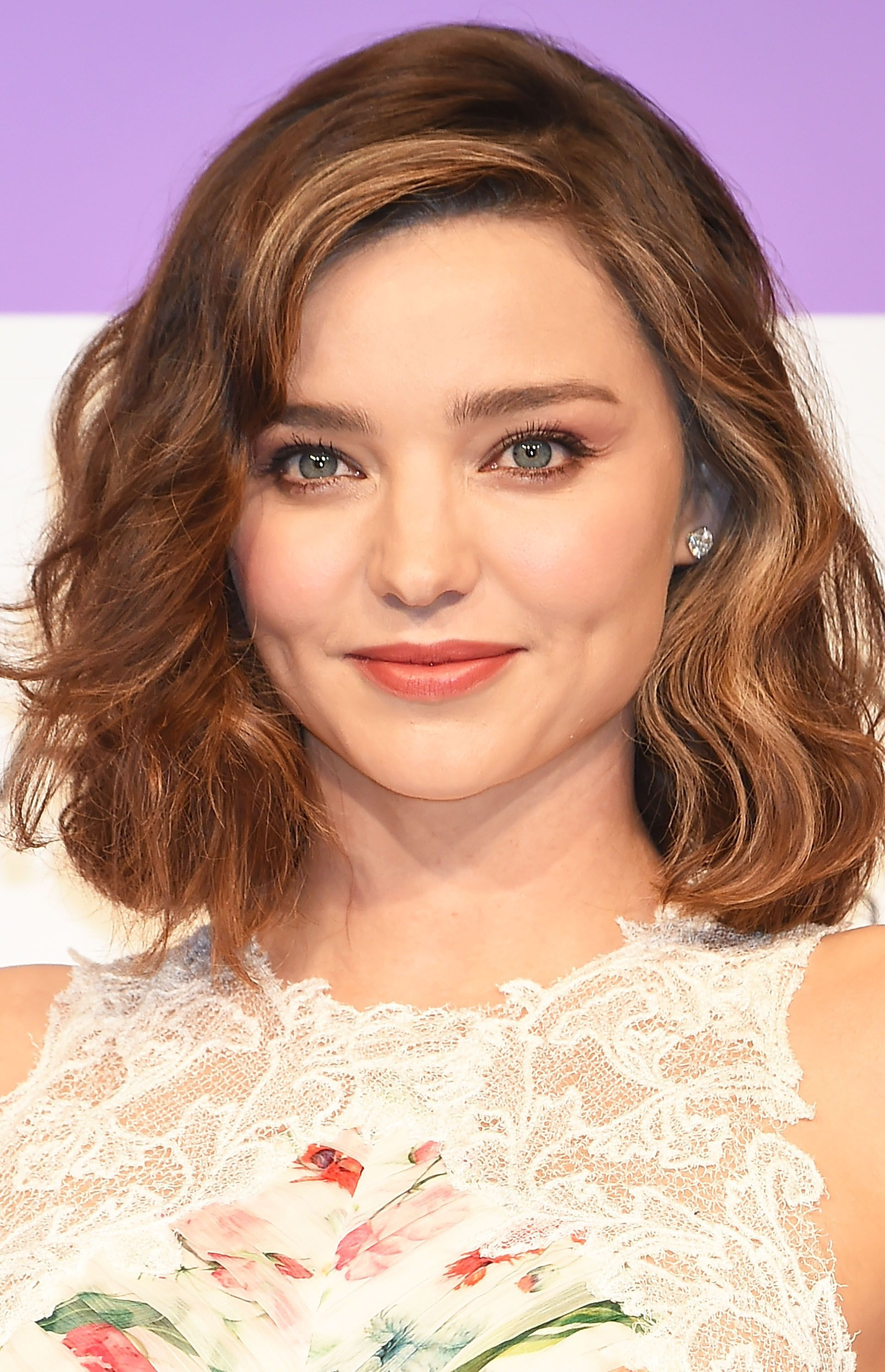 messy hairstyles for round faces pin on hairstyles for round faces