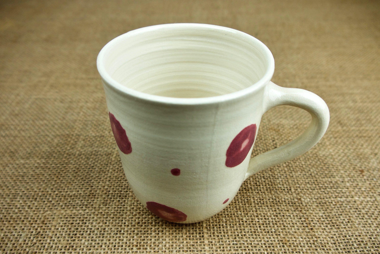 Tasse Getopfert Weiss Mit Altrosa Tupfern Und Punkten Grosses Schmales Unikat Fur Dein Lieblingsgetrank Keramik Handgemacht Tassen Keramik Und Altrosa