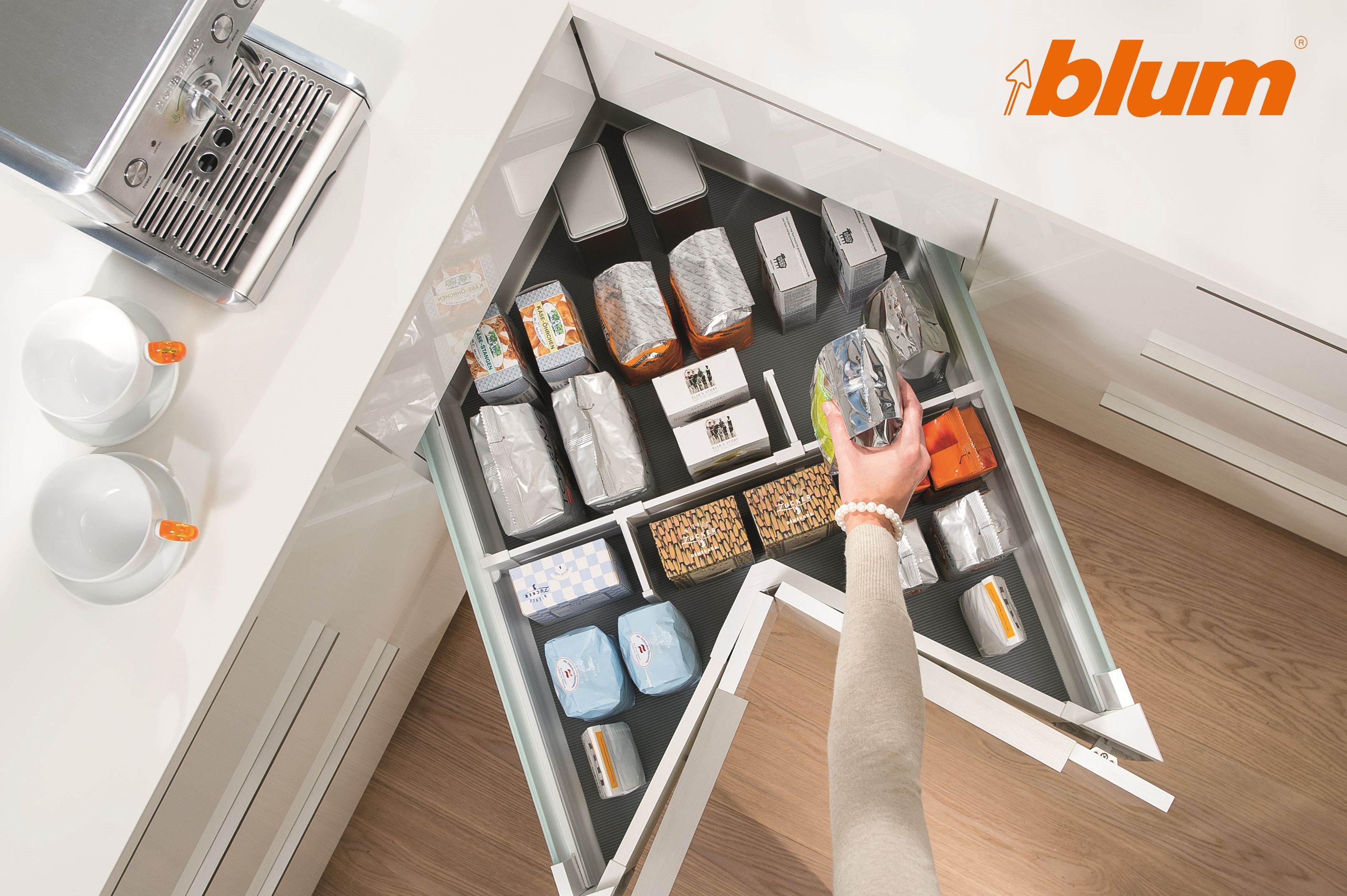Blum SPACE CORNER drawers are a great way to access and organise ...