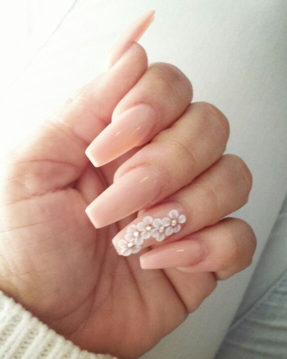 Coffin Style Nails With 3 D Flowers 3d Flower Nails Flower Nails Coffin Nails Designs