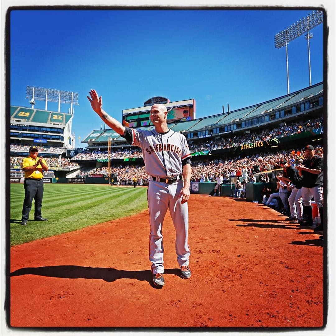 """""""#sfgiants Tim Hudson waves to fans during his curtain call at the Oakland Coliseum. Photo by @punkpoint"""""""