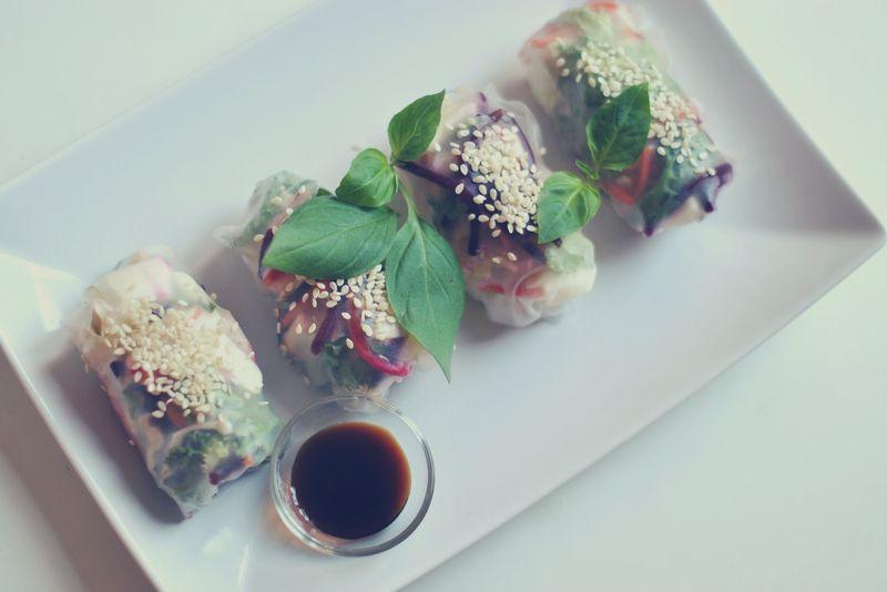 Raw veggie rice paper rolls – Nina Kaufmann