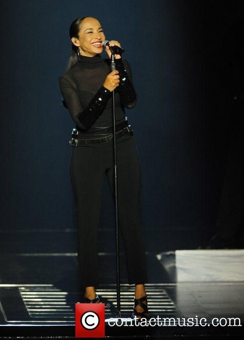 Sade Music | Picture - Sade aka Sade Adu | Photo 1385826 | Contactmusic.com