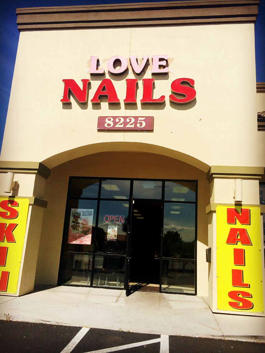 Love Nails' new sign is finally on!