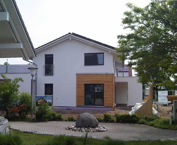 Haas_Fertigbau_Musterhaus_hinten_600.jpg (JPEG-Grafik, 600×493 Pixel)