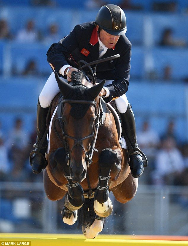 Nick Skelton Wins Individual Showjumping Gold For Great border=