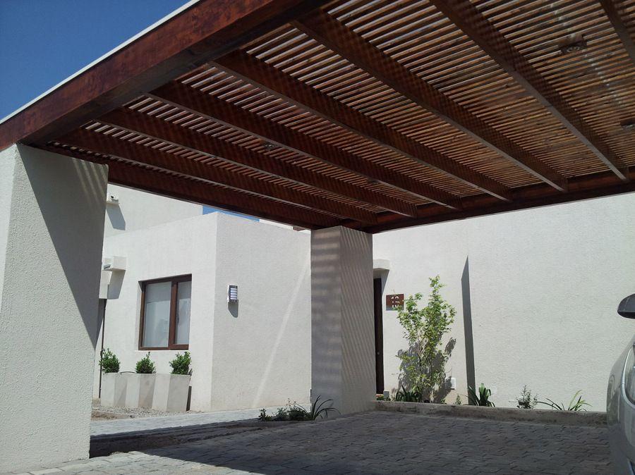 Terraza quincho loggia estacionamiento montepiedra for Garajes quinchos