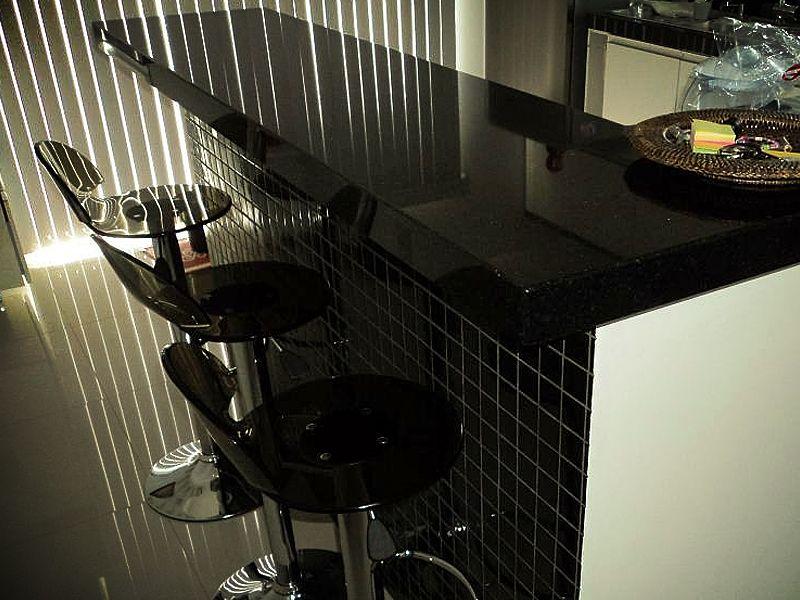 cozinha americana com granito preto São Gabriel                                                                                                                                                                                 Mais