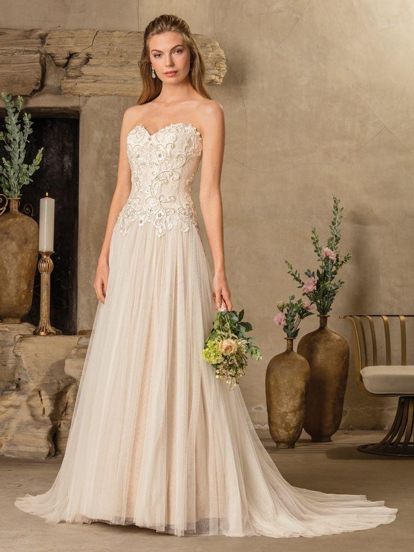 Wedding dress short in front with long train  Pin by Vanda Desiree on Wedding dresses  Pinterest  Casablanca