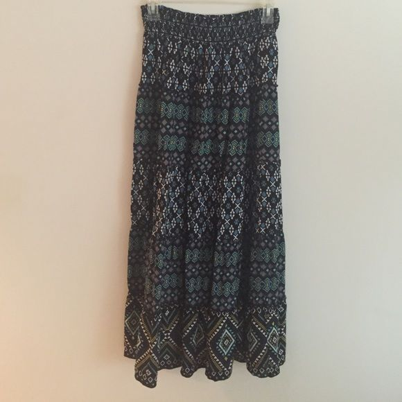 Beautiful Patterned Maxi Skirt Gorgeous skirt in excellent condition. Apt. 9 Skirts Maxi