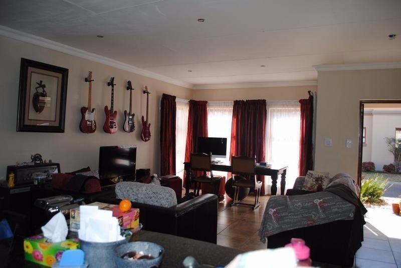 Cute Dining Room Furniture For Sale Vanderbijlpark 40 For Interior
