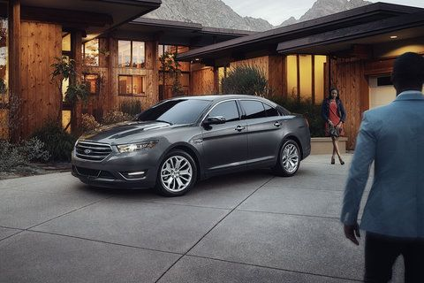 2017 Ford Taurus Delivers Safety Taurus