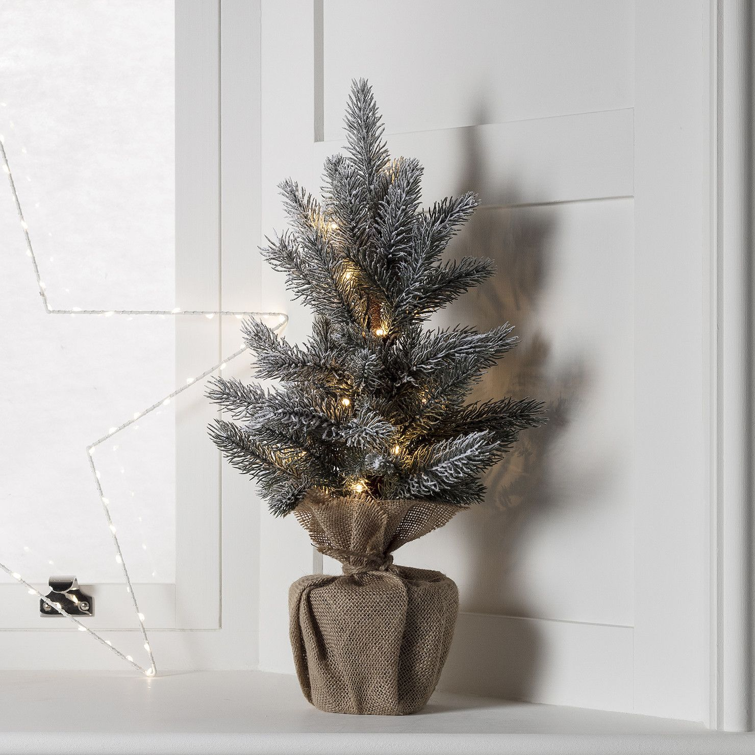 53cm Aspen Forest Pre Lit Frosted Mini Christmas Tree