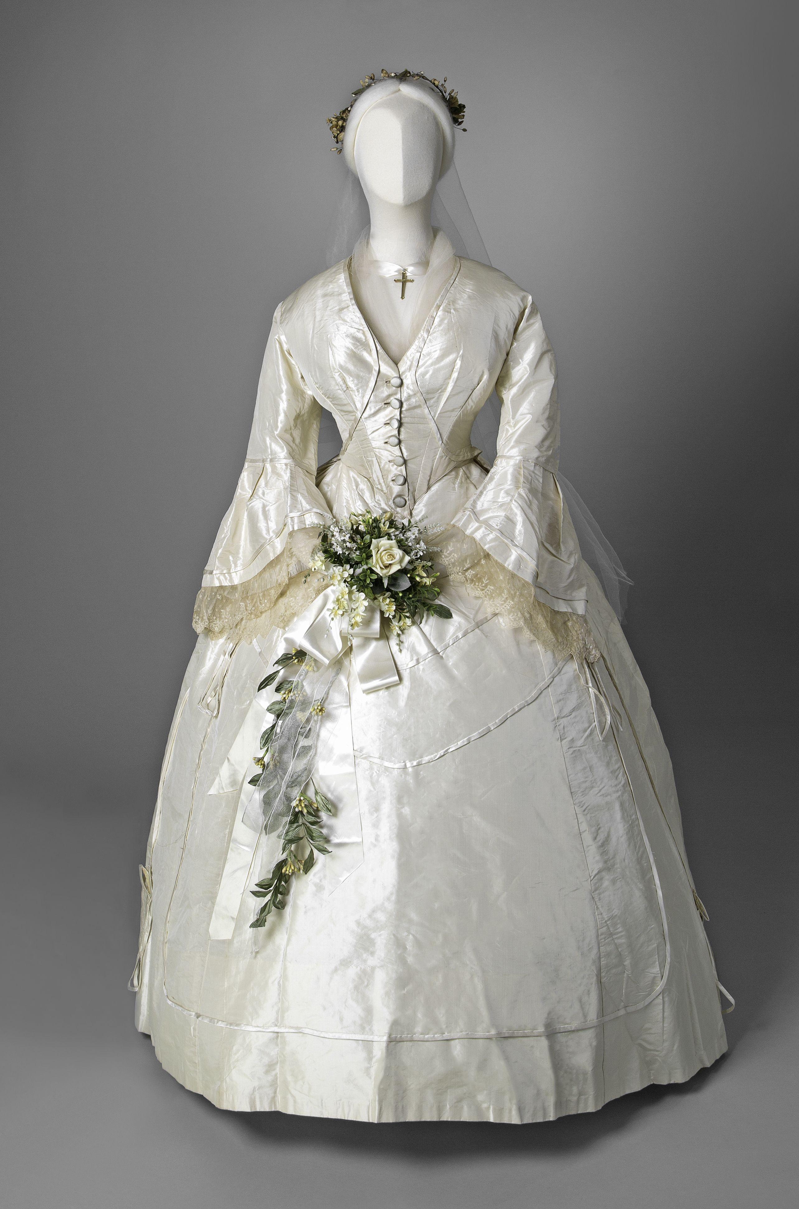 Wedding Gown 1865 Click Through For Huge Hi Def Photo Sigal Museum Antique Wedding Dresses Wedding Gowns Vintage Wedding Dresses Vintage
