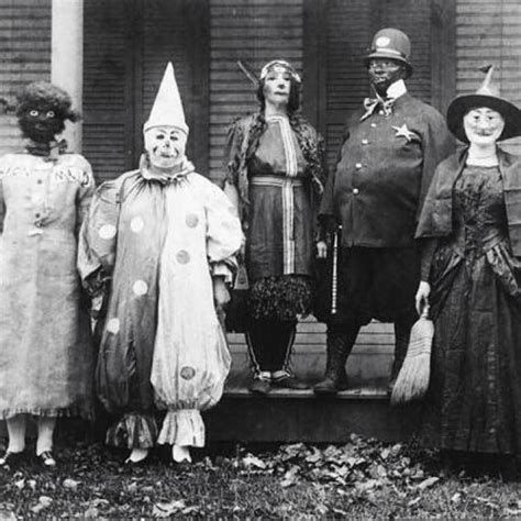 Terrifying Halloween Costumes From The 's     Homme