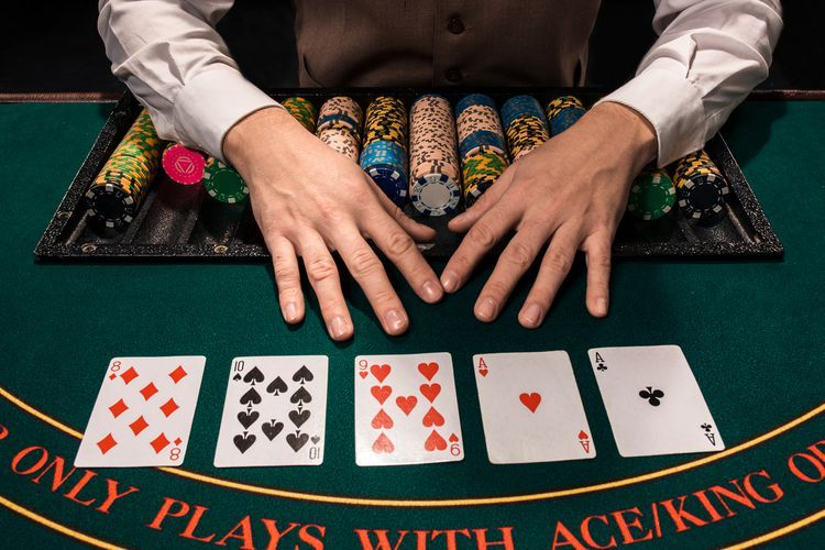 How to Play the Texas Hold'em Bonus Poker Table Game in