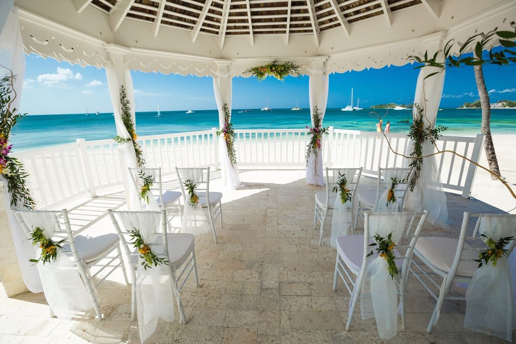 Tropical Wedding Venue At Sandals Negril In Jamaica Resorts Beach Weddings Gorgeous