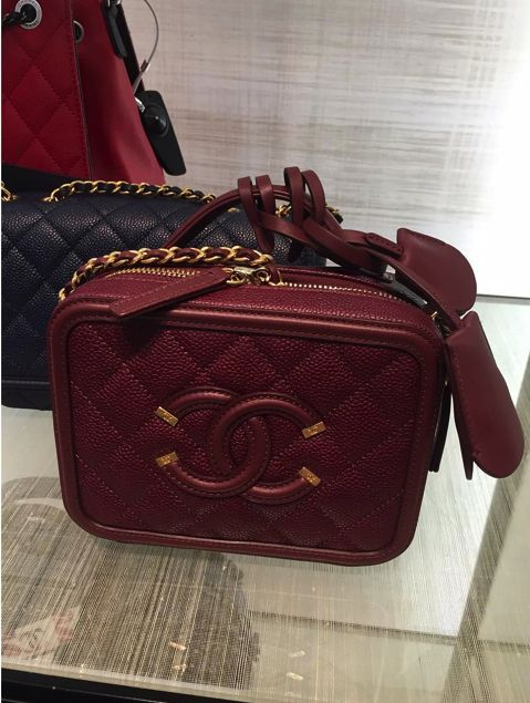 7291393e2bf9 The Chanel Vanity Case has always been a part of Chanel's tradition. And  there were