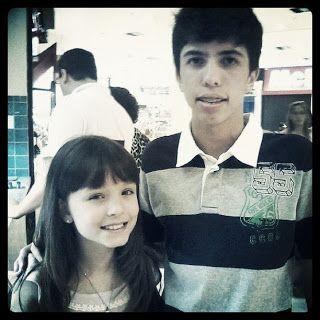 Atriz de 11 anos da novela Carrossel namora com menino de 17 anos - Globos