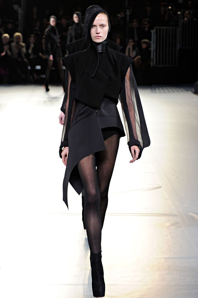 Mugler - Fall 2012 Ready-to-Wear - Look 36 of 41