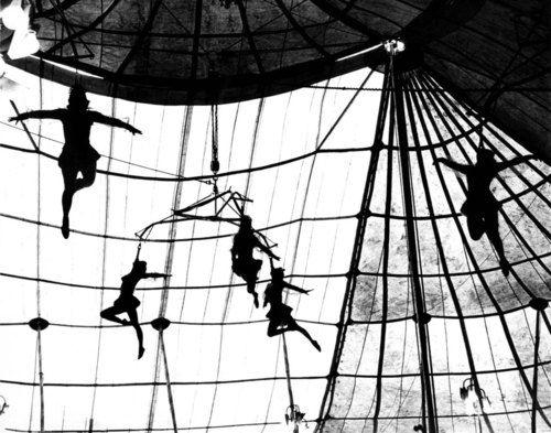 Leo Matiz (1917-1998): El Circo de Macondo, Colombia, 1960,
