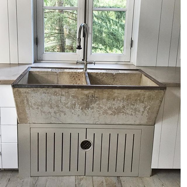 Pair Of Old Sinks Detail Of Old Deep Double Cement Farm Sink With
