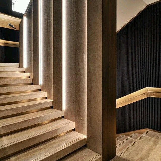 Creativo dise o de escalera a base de madera con un gran trabajo de iluminaci n incorporada ve - Escaleras de madera decorativas ...