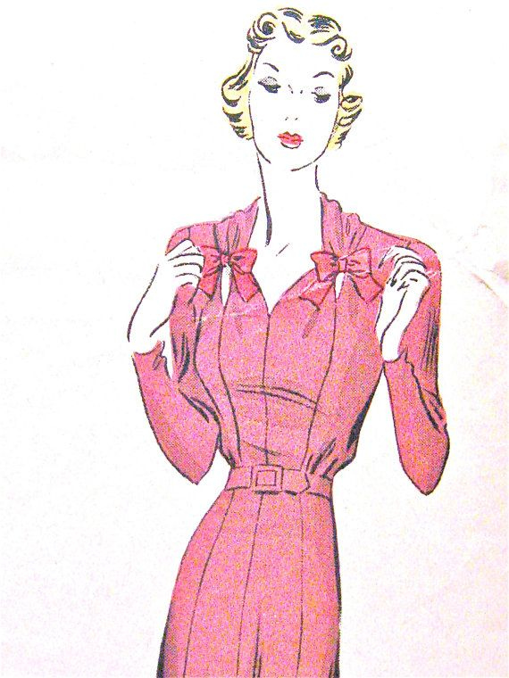 1930s Pictorial Review Printed pattern 9529   Bust 40 door Fancywork