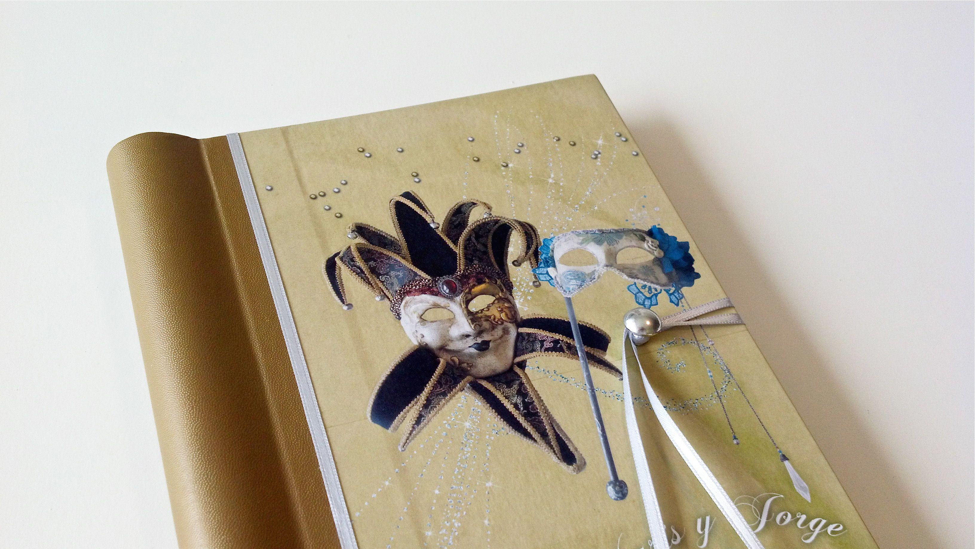 Tapa del Libro de Firmas para la boda de Stella Maris y Jorge. Acompañando el tema de su fiesta, el CARNAVAL VENECIANO, el libro se realizó con fotos de las máscaras que lucieron en el evento.   Encargá vos también tu Libro de Firmas Personalizado en nuestra Tienda Online  https://yourownstory.tiendanube.com/ http://www.milibrodefirmas.com/  Las máscaras son de  https://www.facebook.com/HarlequinMascaras http://www.harlequin.com.ar/