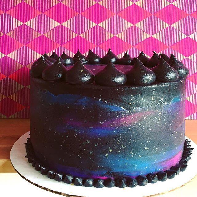 Black Velvet Galaxy Cake Bolos Decorados Com Chantilly Bolos De
