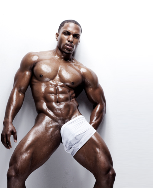 Gay bodybuilder black