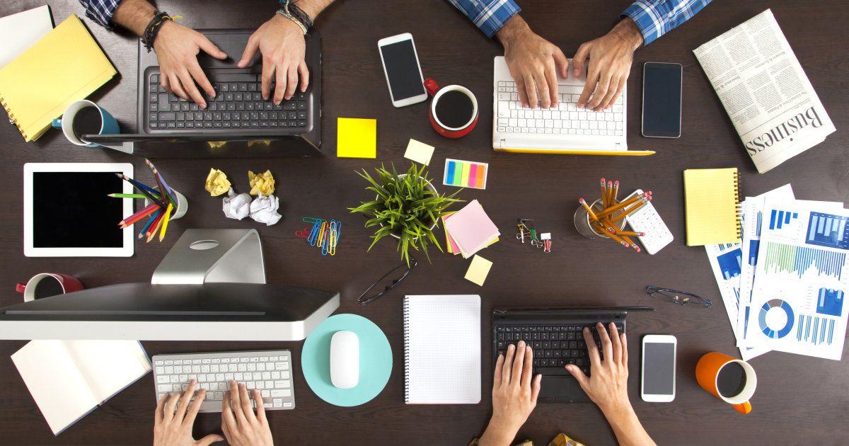 10 idee per la tua scrivania al lavoro e