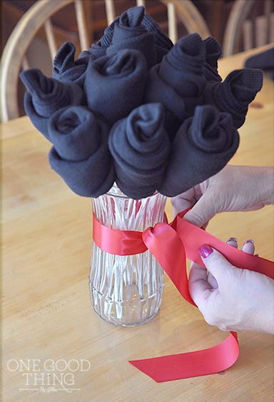 15 MINUTE FATHERS DAY SOCK BOUQUET For That Practical Dad Who Just Wants Socks Too Funny