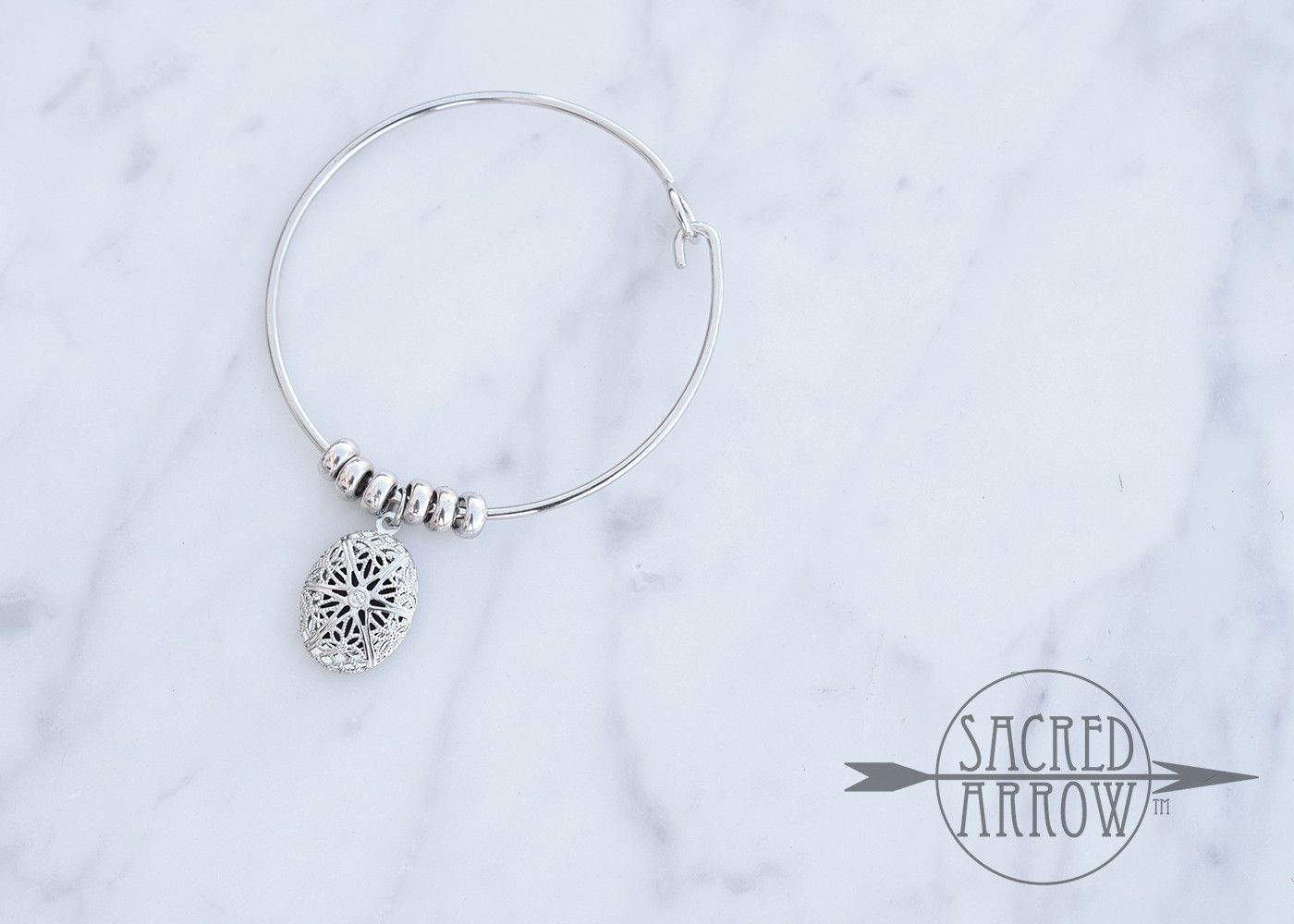 Simple Silver Bangle Diffuser Bracelet